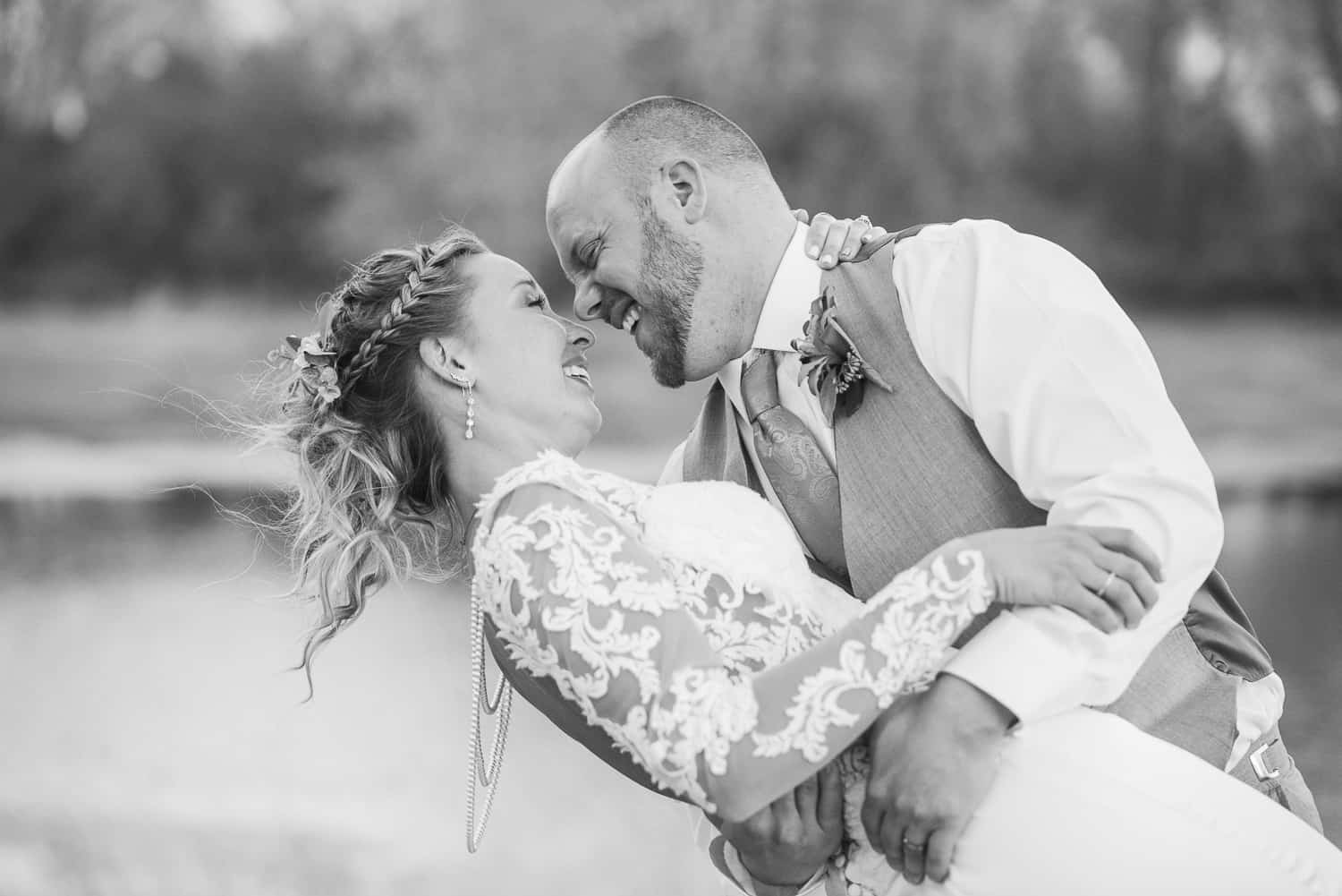sunset wedding pictures in hutchinson kansas