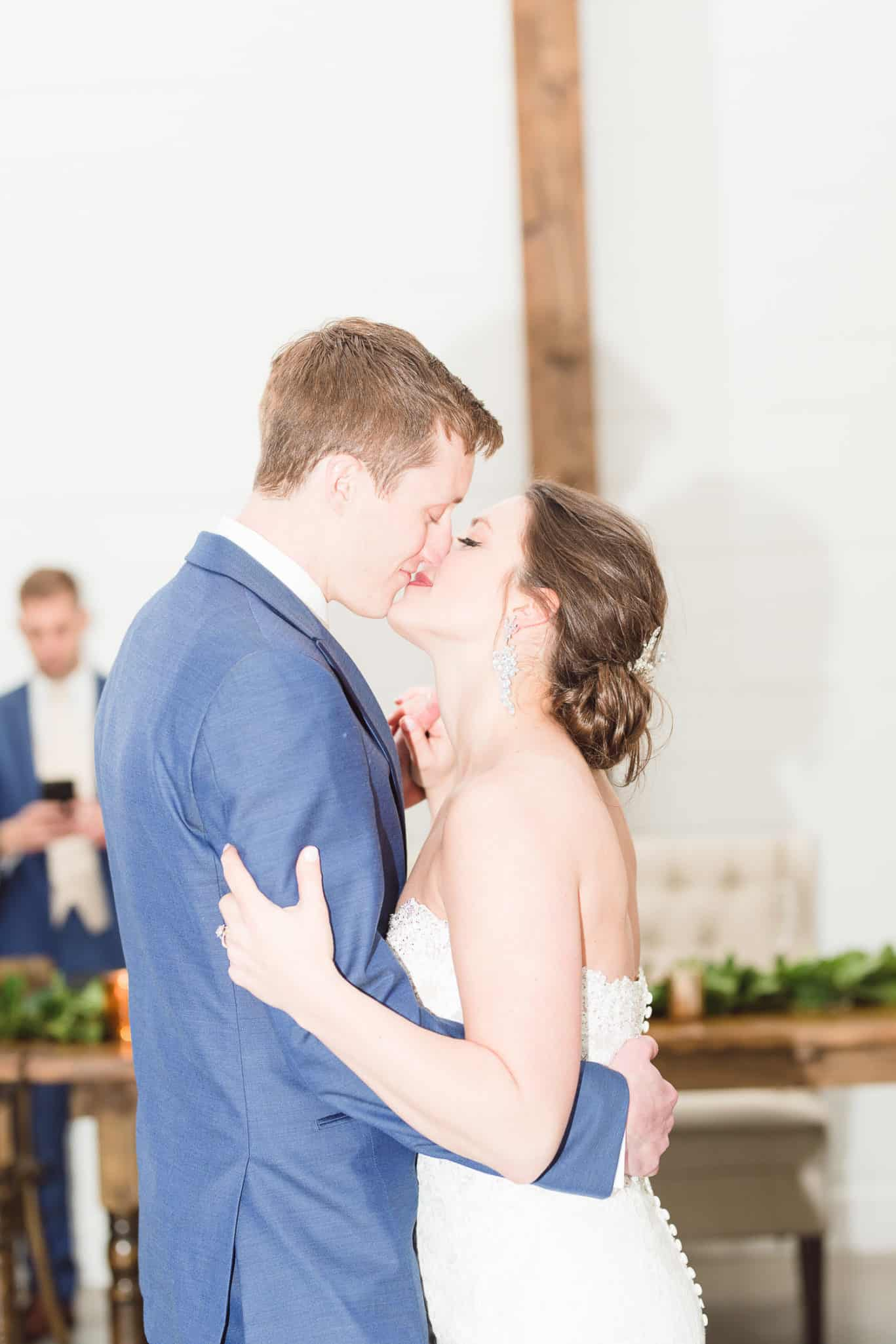 Wedding reception at the Farms at Woodend Springs in Bonner Springs Kansas