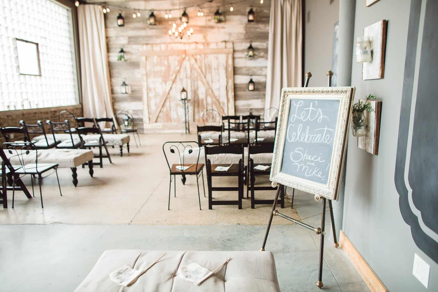 An intimate wedding at the Vow Exchange in Kansas City