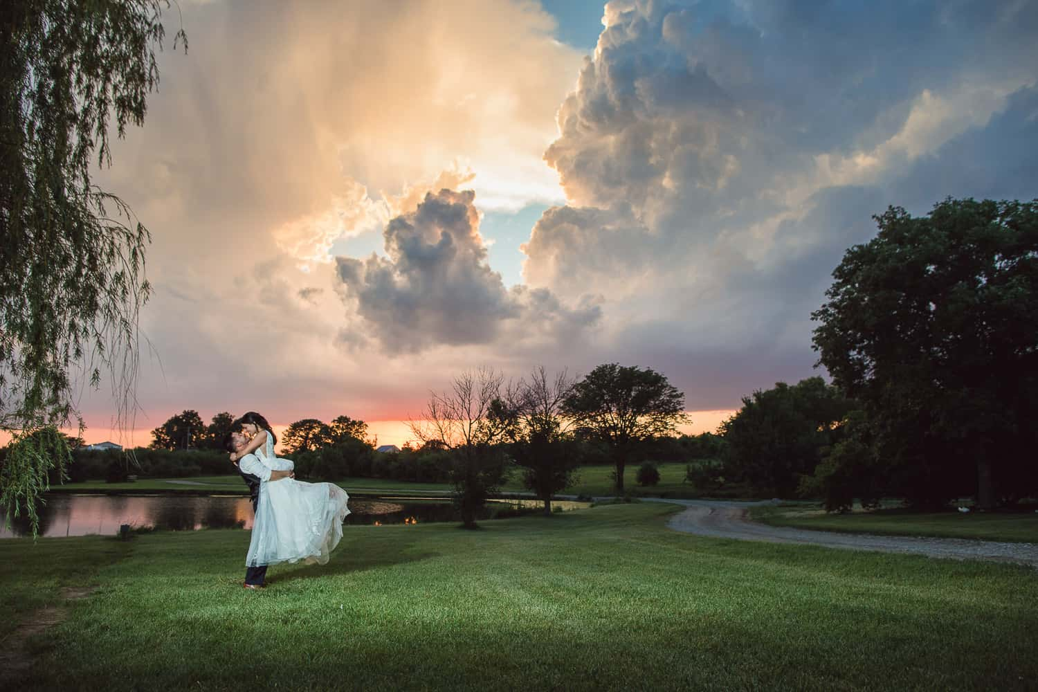 sunset wedding photos at Cider Hill Family Orchard in Kansas City