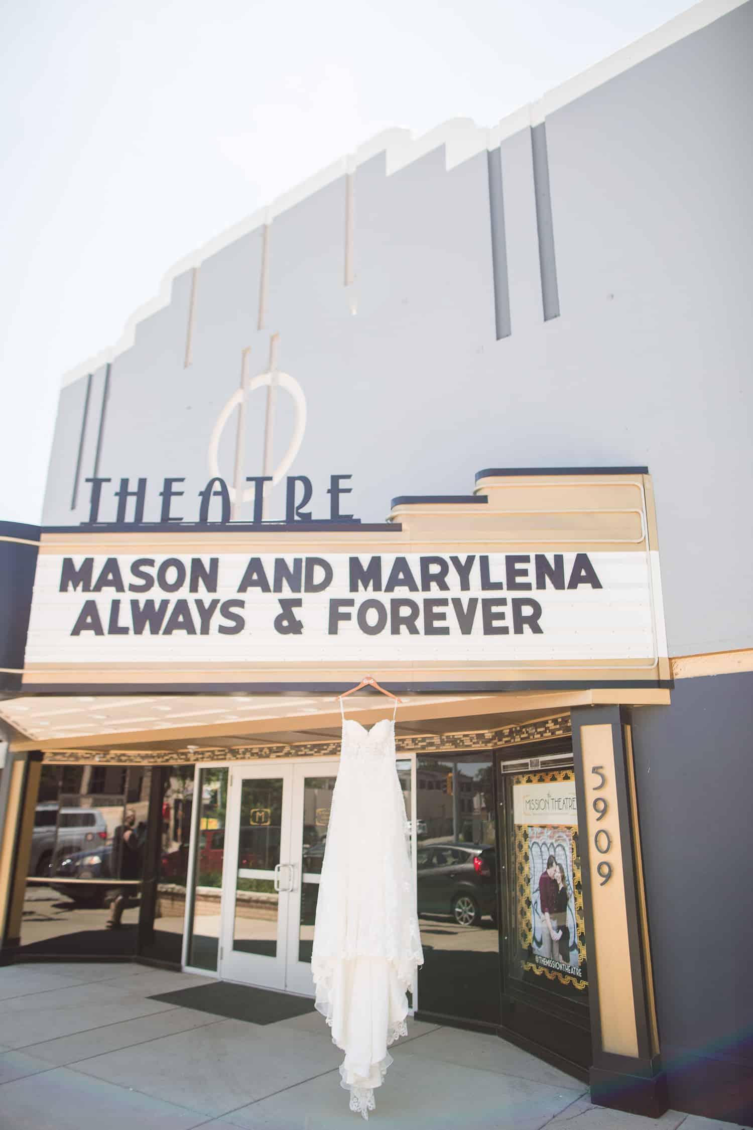 Mission Theatre Kansas Weddinga