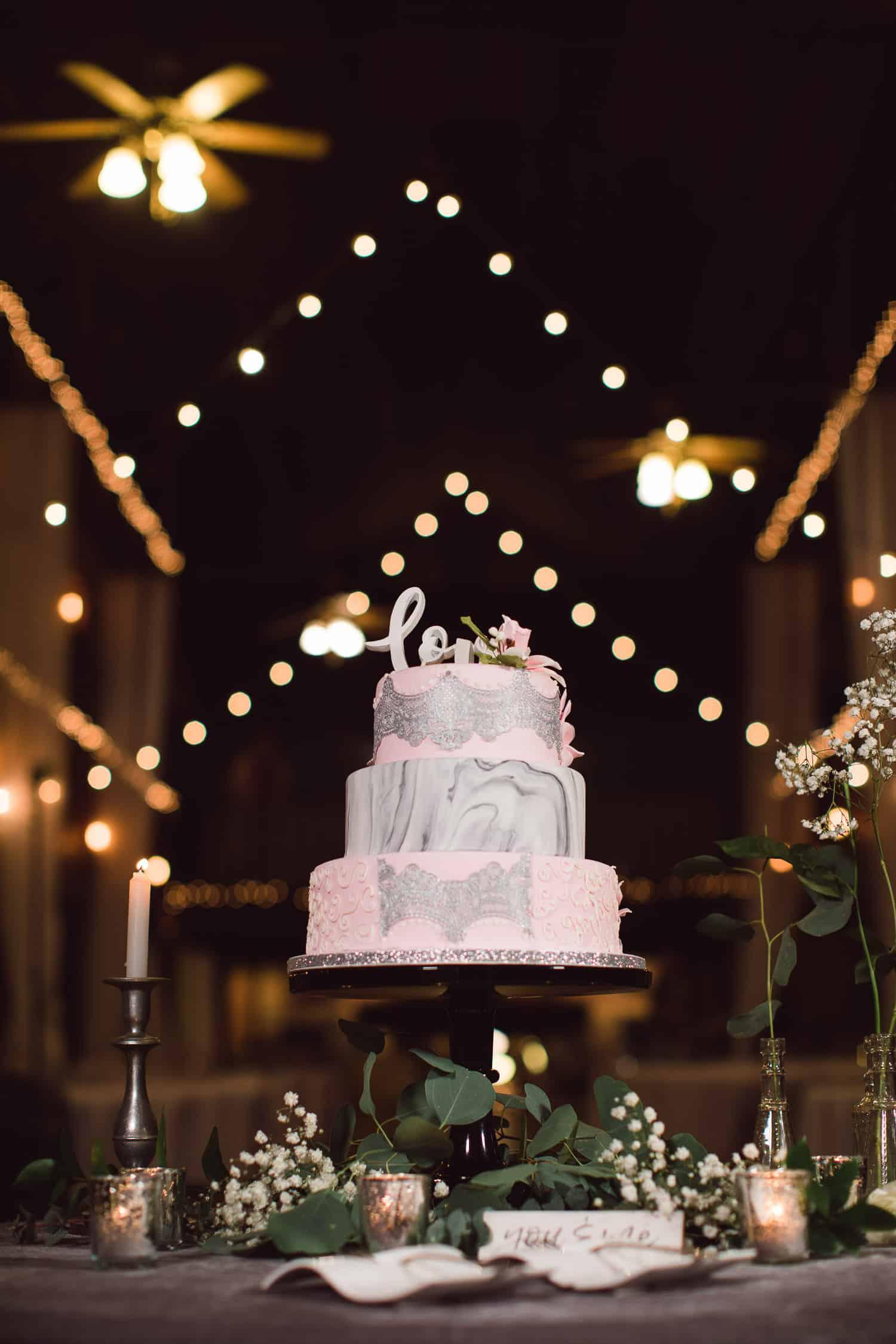 Backwoods 222 wedding sweet tooth wedding cake