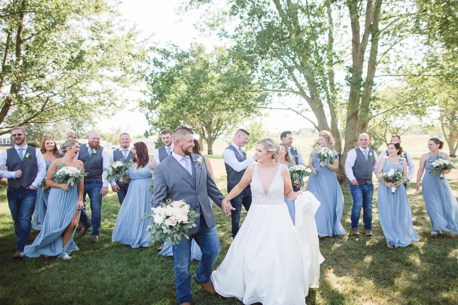 Large wedding party portraits in Kansas