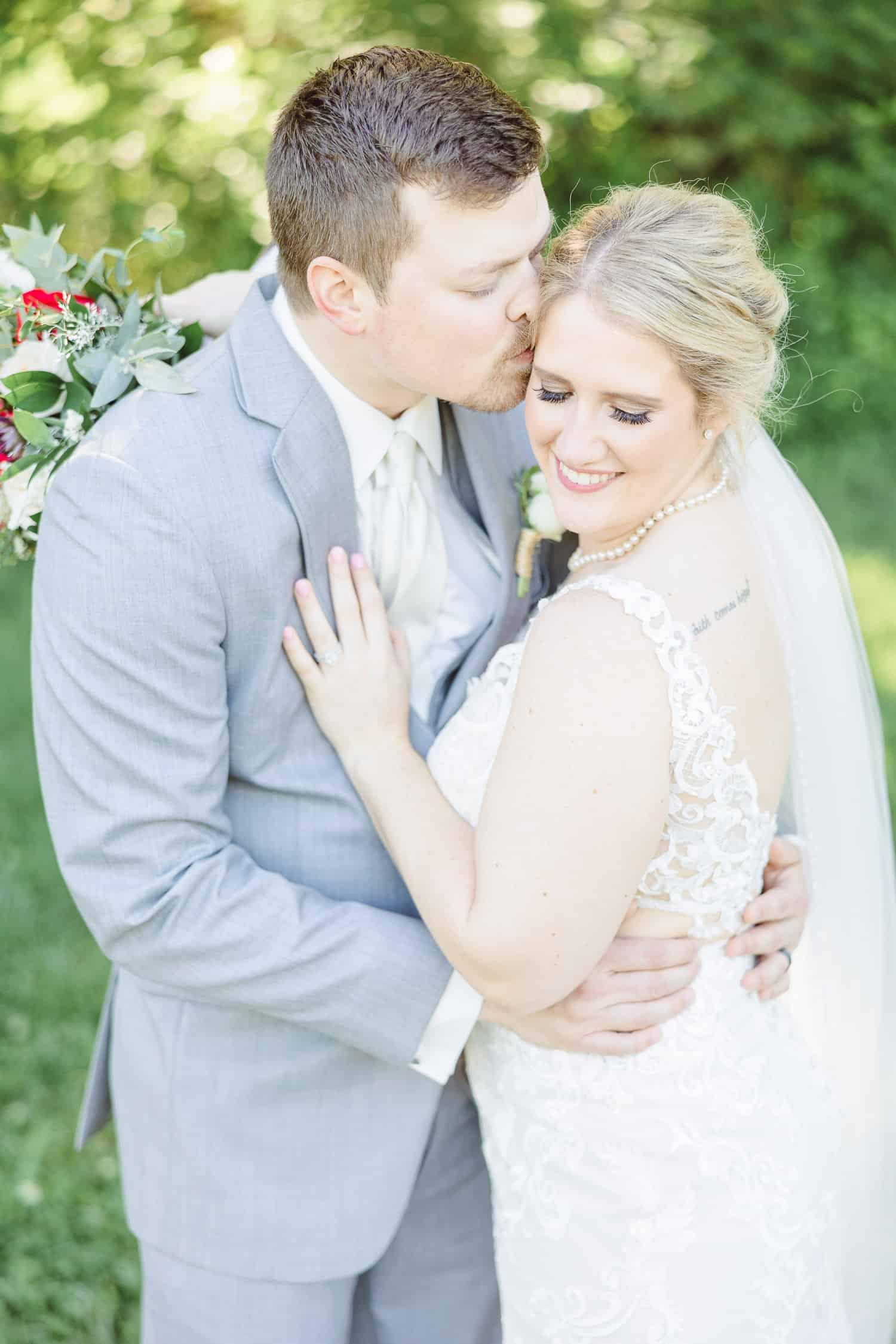 Bride and groom photos at Faulkner's Ranch in Kansas City