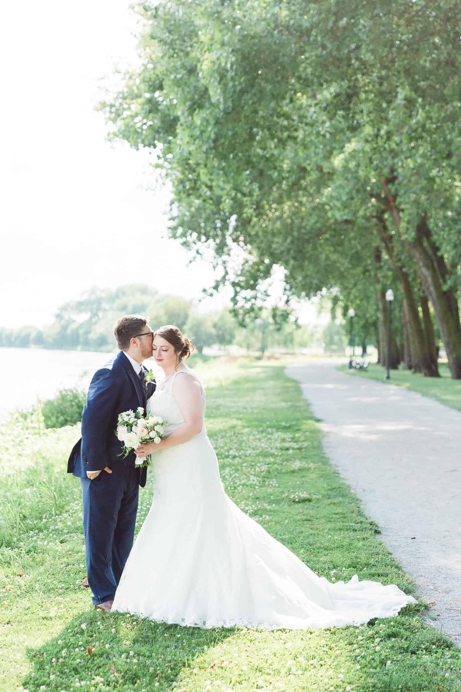 English Landing Park wedding photos