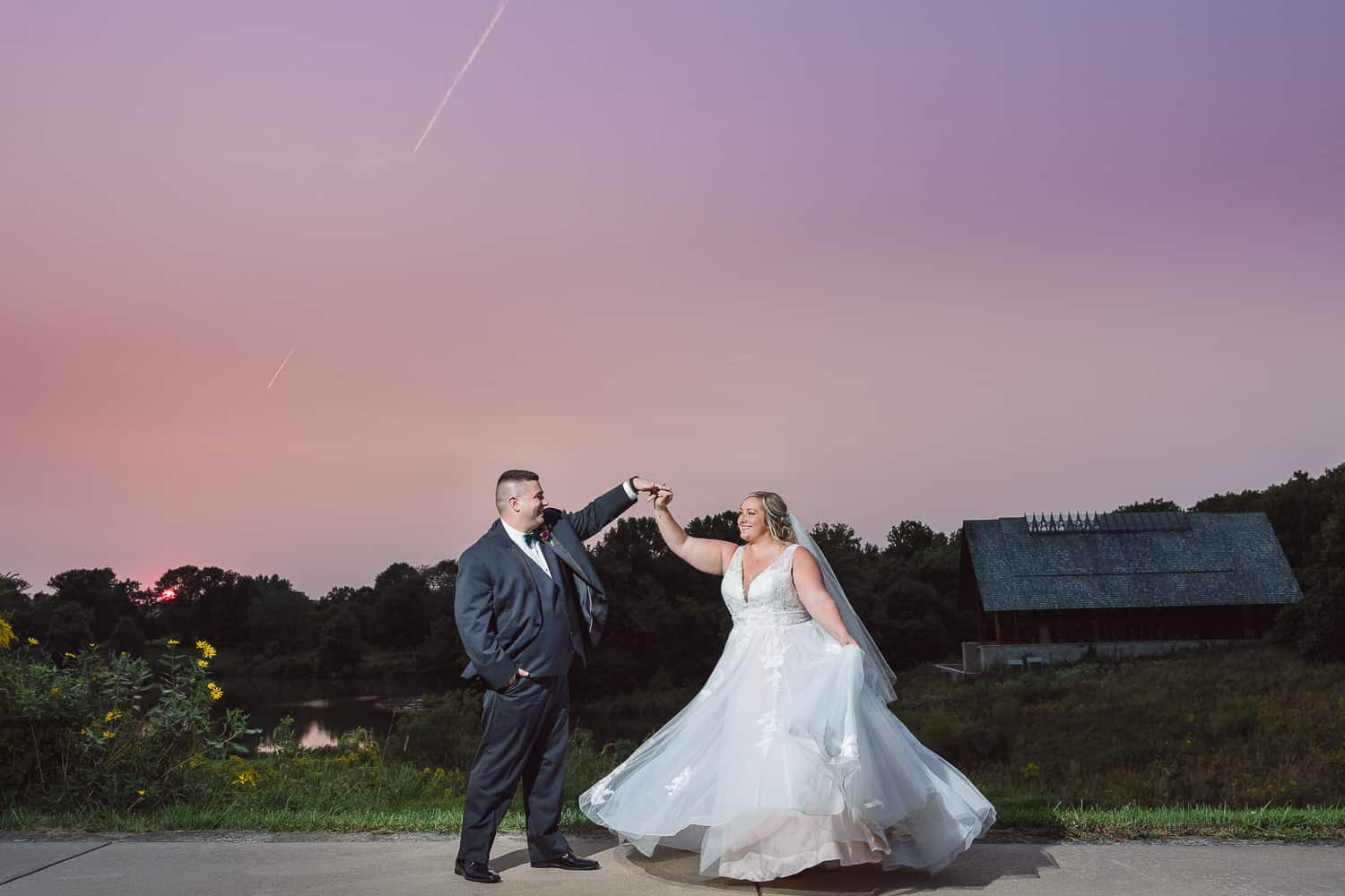 Sunset wedding pictures at Powell Gardens wedding